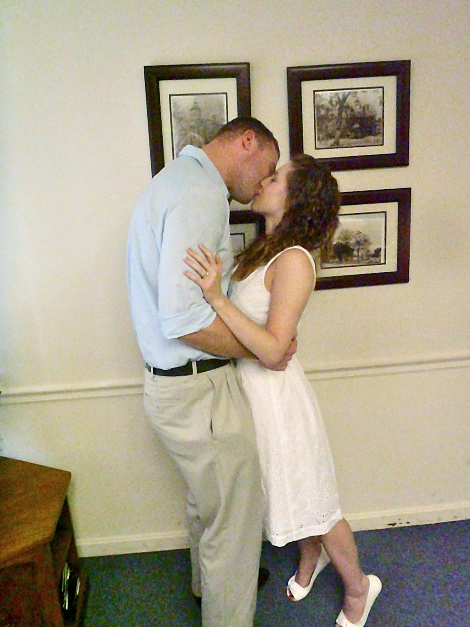 Court house wedding kiss